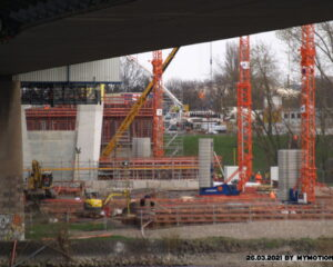 Neubau der A40 Rheinbrücke in Duisburg Blickrichtung rechte Rheinseite